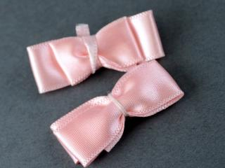 Handt Tied Ribbon Bow